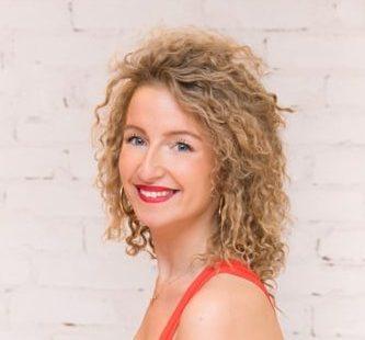 [Peruttu toistaiseksi] Krista Nyströmin Salsa Ladies' Style 2+3 -tunnit perjantaina 13.3. ja 4.3. klo 19.30-20.30!